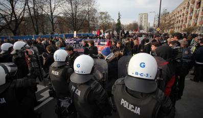 Policja podczas manifestacji 11 listopada