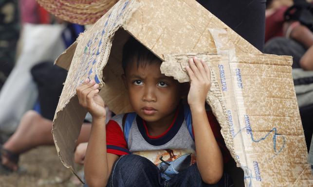 Walka o jedzenie, desperacka ucieczka. Filipiny zniszczone przez tajfun