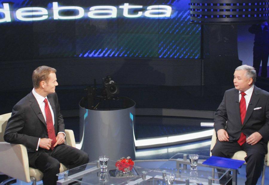Donald Tusk i Jarosław Kaczyński w czasie telewizyjnej debaty