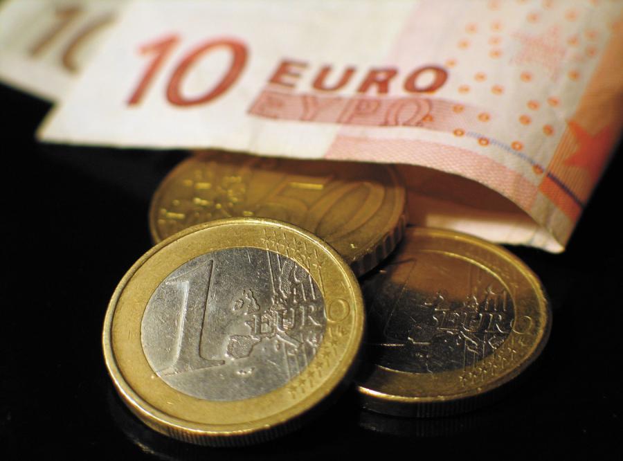 Zbyt wolno wydajemy euro