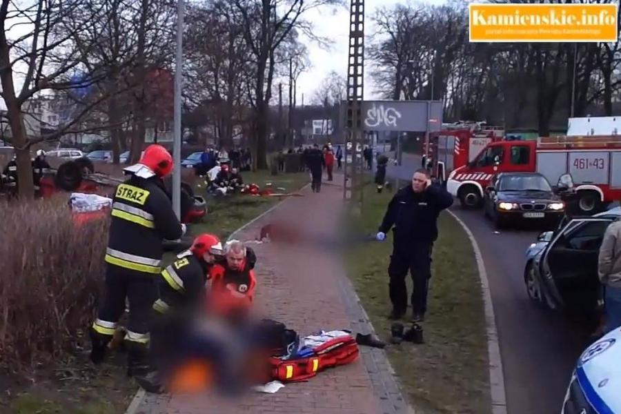 Akcja ratunkowa po wypadku w Kamieniu Pomorskim, źrodło: kamienskie.info