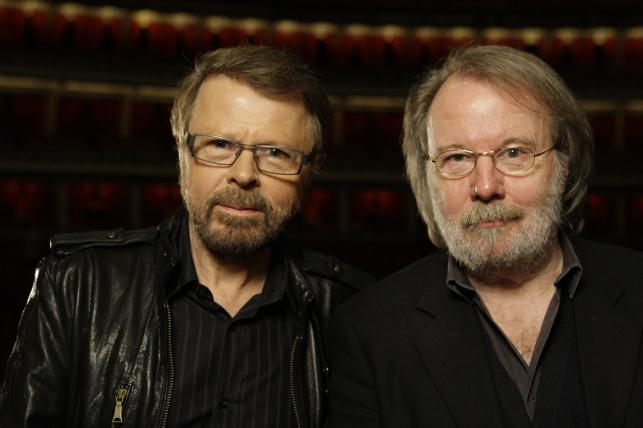 "Benny Andersson i Björn Ulvaeus podczas pray nad musicalem ""Kristina"" w londyńskim Royal Albert Hal (2010)"