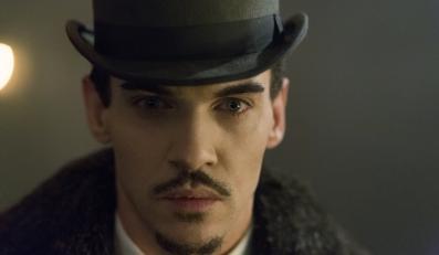 "Jonathan Rhys Meyers w serialu ""Dracula"""