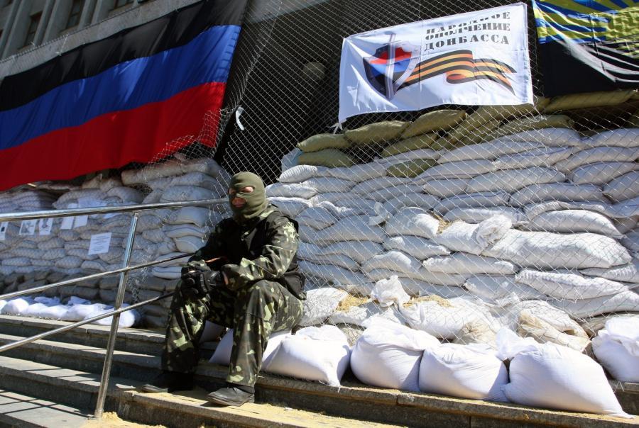 Budynek okupowany w przez pro-rosyjckich aktywistów w Słowiańsku na Ukrainie