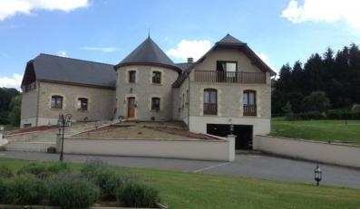Zamek wystawiony na sprzedaż