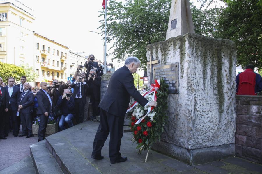 Jarosław Kaczyński złożył kwiaty przed Pomnikiem Radomskiego Czerwca