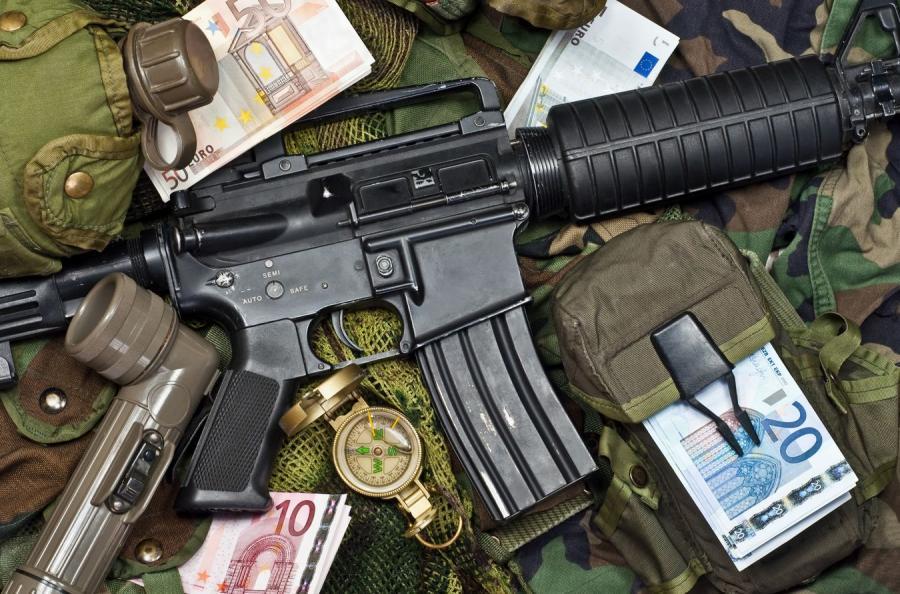 Broń i pieniądze