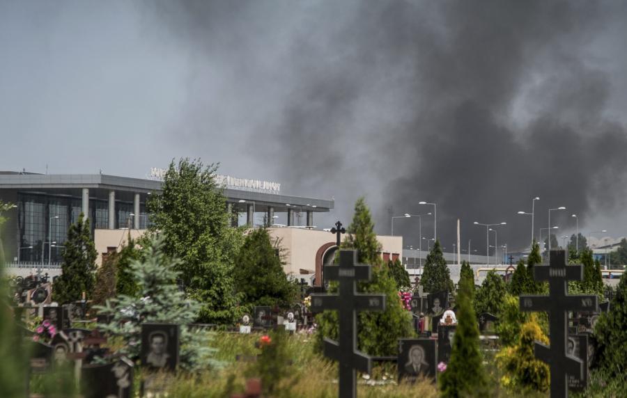 Walki w Doniecku. Płonie lotnisko