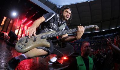 Robert Trujillo podczas koncertu w Hamburgu