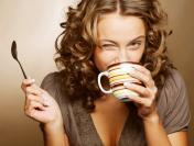 Oni piją najwięcej kawy. Top 10 najbardziej uzależnionych zawodów