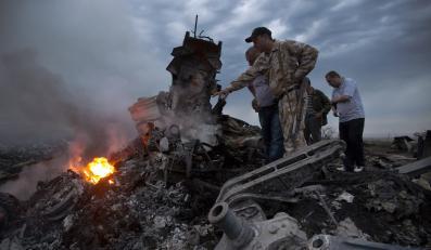 Szczątki malezyjskiego samolotu zestrzelonego nad Ukrainą