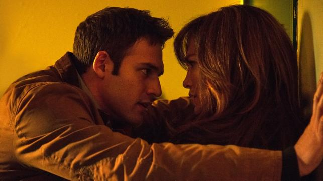 "Jennifer Lopez i Ryan Guzman w filmie ""The Boy Next Door"""