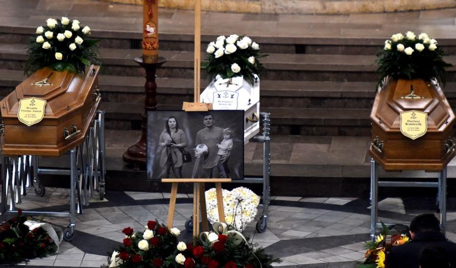 Msza za tragicznie zmarłą dziennikarską rodzinę Kmiecików