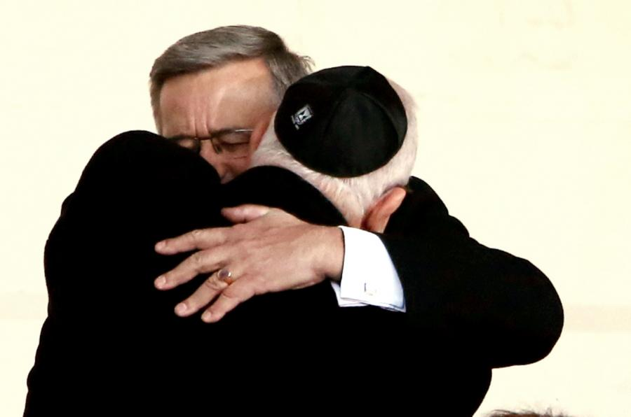 Prezydent Izraela Reuwen Riwlin i prezydent RP Bronisław Komorowski , podczas uroczystego otwarcia wystawy stałej w Muzeum Historii Żydów Polskich