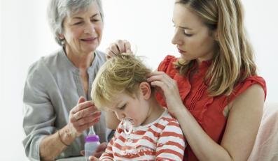 Co rozwściecza kobietę, gdy jej dzieckiem zajmuje się teściowa?