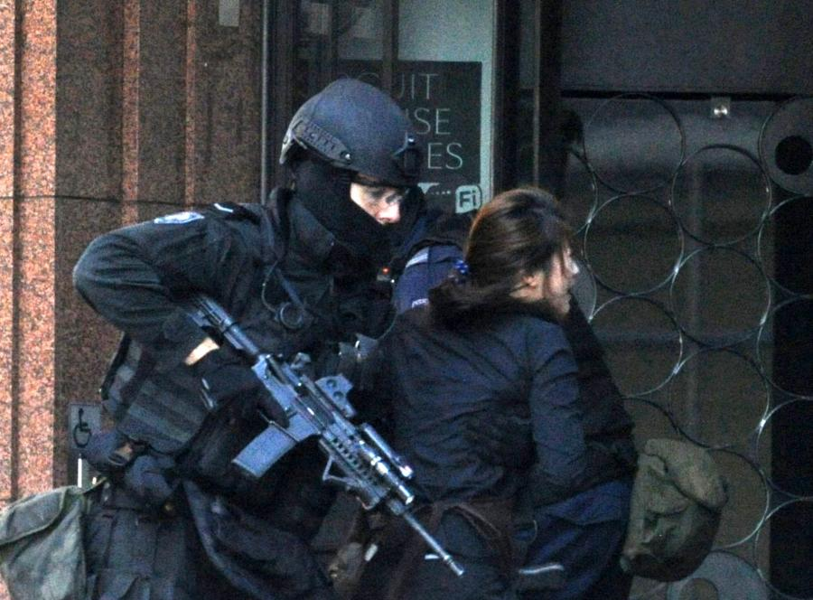 Szturm policji na kawiarnię w Sydney