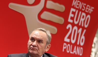 Prezes ZPRP Andrzej Kraśnicki podczas oficjalnego podpisania umowy o współpracy Miasta Kraków i Związku Piłki Ręcznej w Polsce przy organizacji mistrzostw Europy w piłce ręcznej