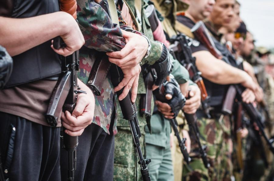 Uzbrojeni mężczyźni w Doniecku