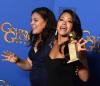 Najlepsza aktorka w serialu komediowym lub musicalu:<br>Gina Rodriguez (na zdjęciu z siostrą Evalise Simon)