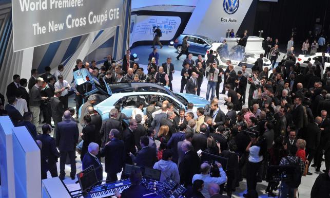 Nowy SUV Volkswagena! Pchali się drzwiami i oknami, by zobaczyć cross coupe GTE. ZDJĘCIA