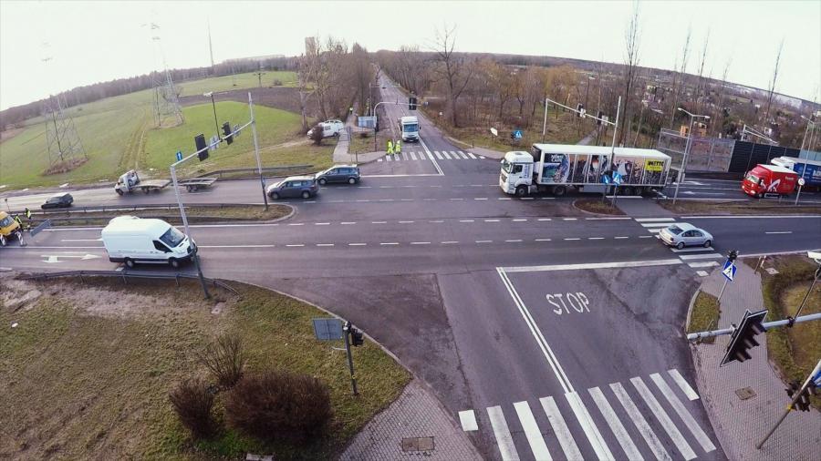 Montowanie rejestratorów przejazdu na czerwonym świetle