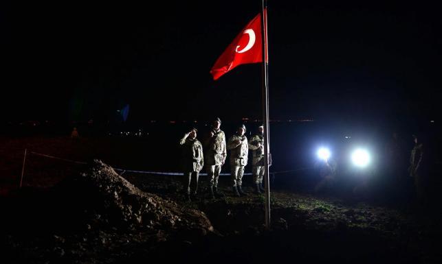 Turcy ewakuowali zabytkowy grobowiec z Syrii. Armia przeniosła szczątki legendarnego przywódcy
