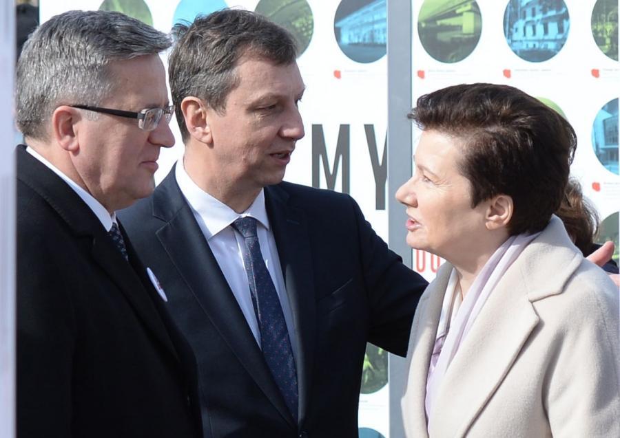 Minister administracji i cyfryzacji Andrzej Halicki w towarzystwie prezydenta Komorowskiego i prezydent Warszawy Hanna Gronkiewicz-Waltz