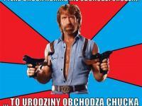 On nie obchodzi urodzin, to urodziny obchodzą jego. Chuck Norris kończy dziś 75 lat. MEMY