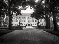 Zapomniane rezydencje polskiej arystokracji. Radziwiłłowie, Lubomirscy, Potoccy... ARCHIWALNE ZDJĘCIA