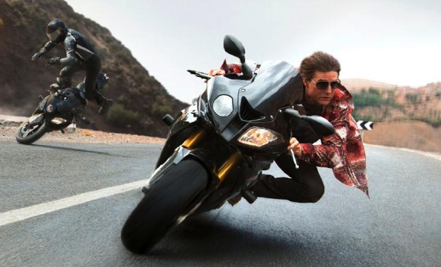 Tom Cruise ściga się i walczy w \
