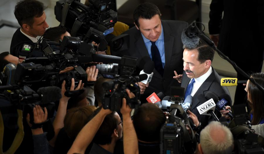 Ambasador USA w Polsce Stephen D. Mull odpowiada na pytania dziennikarzy w Sejmie