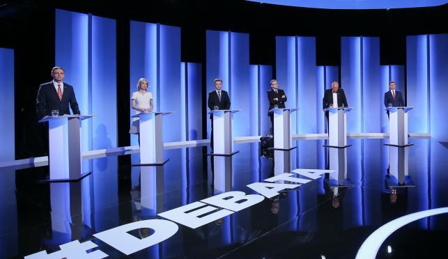 Kandydaci na urząd prezydenta RP w czasie debaty w studiu TVP
