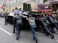 Popsuł się nie tylko czołg na Placu Czerwonym. ZDJĘCIA z Moskwy
