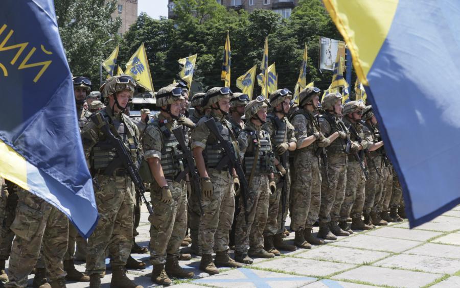 Ochotnicy z batalionu Azow w Mariupolu