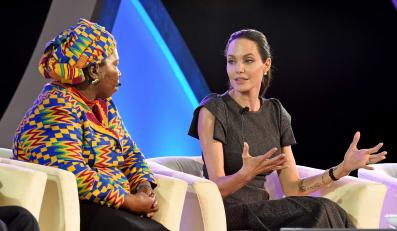 Angelina Jolie w Johannesburgu: Potrzebujemy praw kobiet dla kobiet. Z mężczyznami u boku