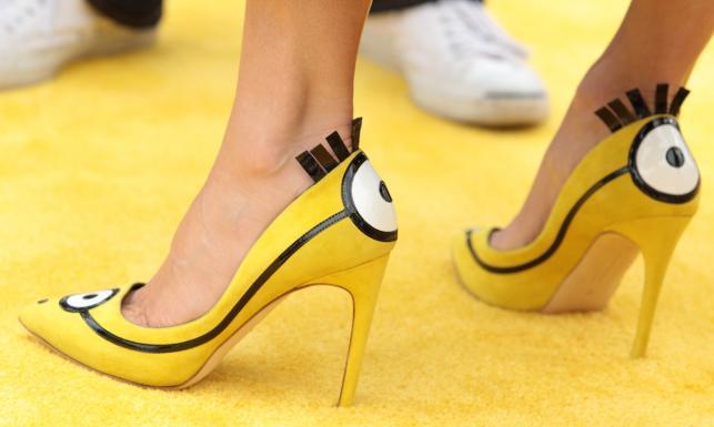 Sandra Bullock Minionki trzyma pod pantoflem. Ale jakim! [ZDJĘCIA]
