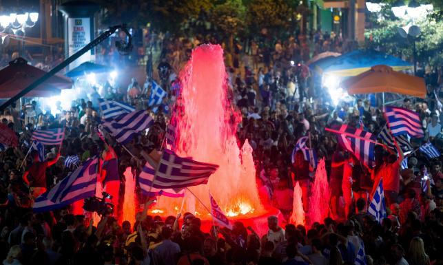 Grecy swiętują po referendum
