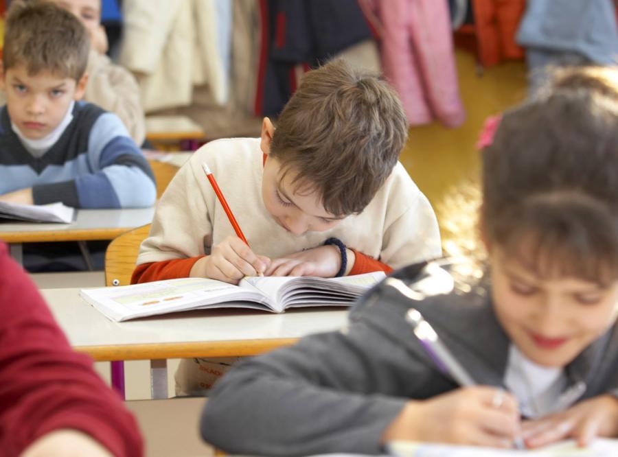 Rodzice zapisują sześciolatki do szkół