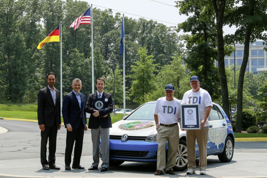Rekord Guinnessa: Volkswagen golf TDI Clean Diesel uzyskał najniższe zużycie paliwa podczas przejazdu przez 48 stanów USA