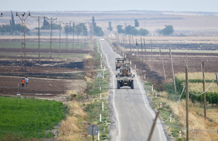 Turecki patrol w pobliżu granicy z Syrią