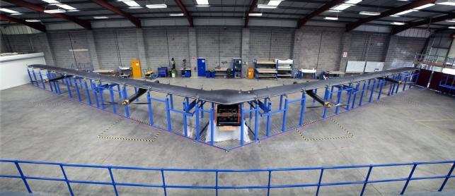 Dron będzie latał dużo wyżej niż samoloty rejsowe.