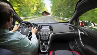 Opel astra - wnętrze