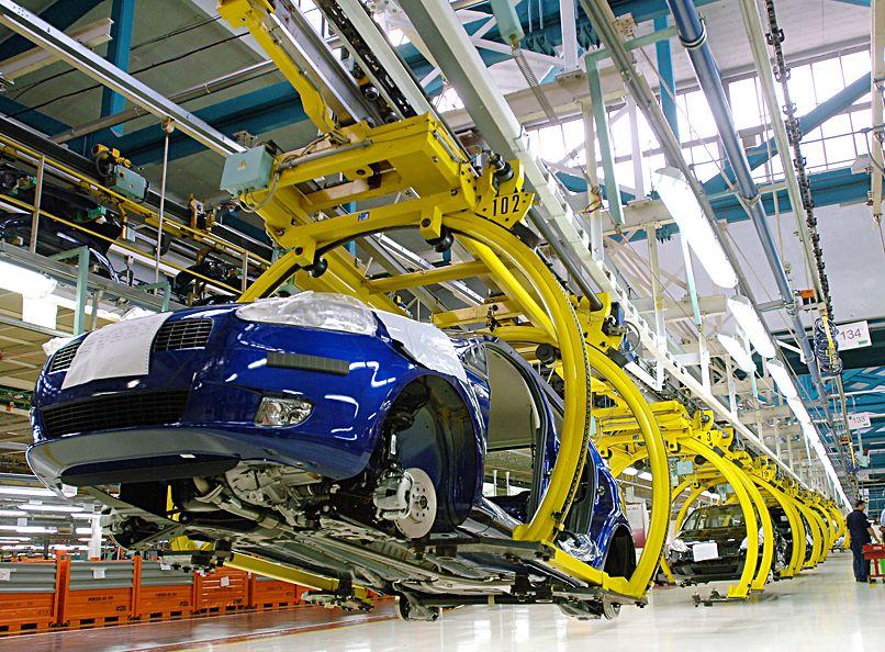 Zostanie tylko sześciu producentów aut