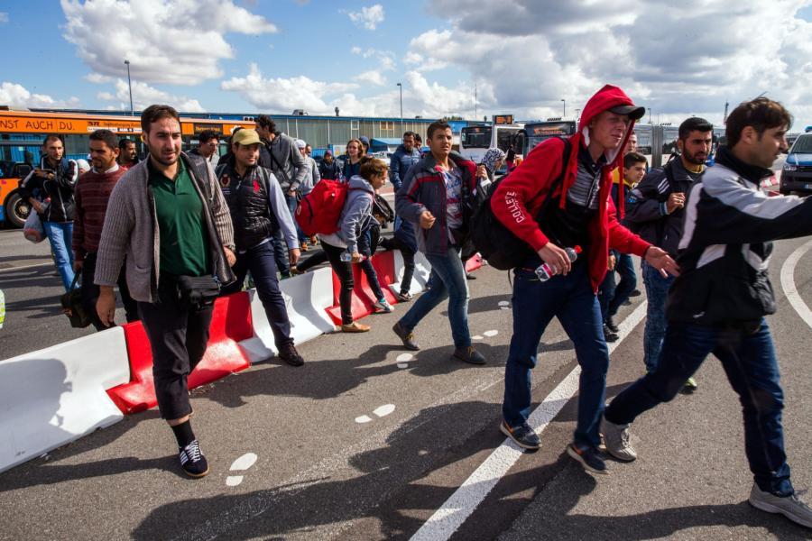 Imigranci w drodze do Szwecji
