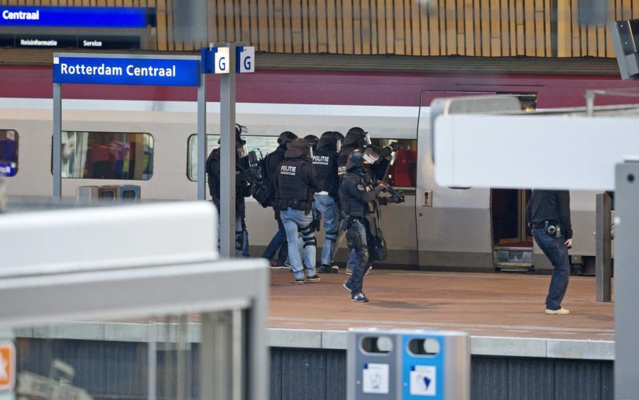 Policyjne jednostki przy pociągu Thalys