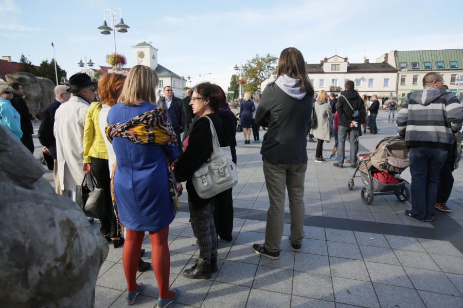 Wyborcy czekają na premier