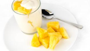 Jogurt z ananasami
