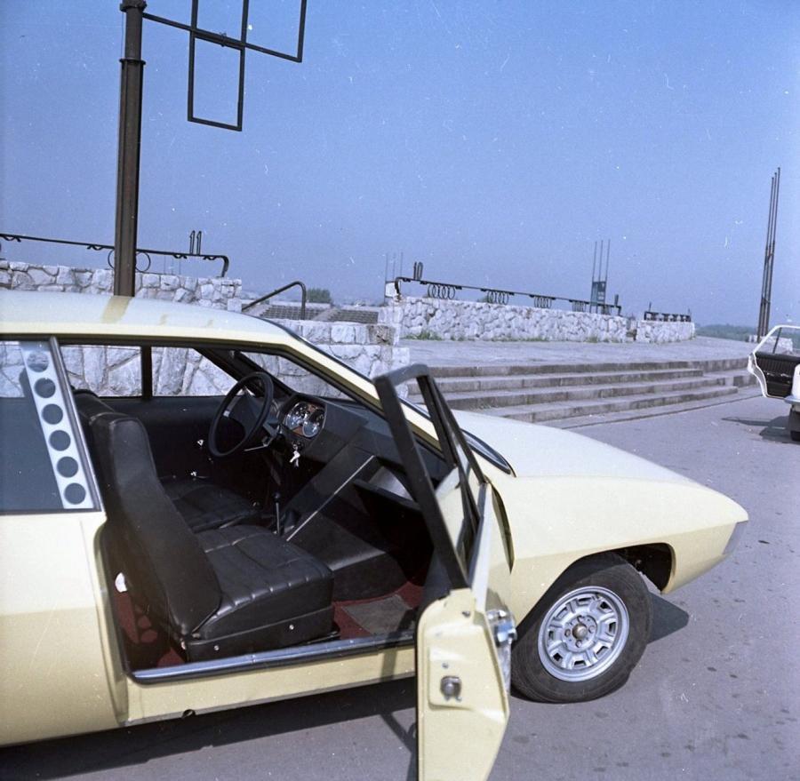 Polski Fiat 125p coupe