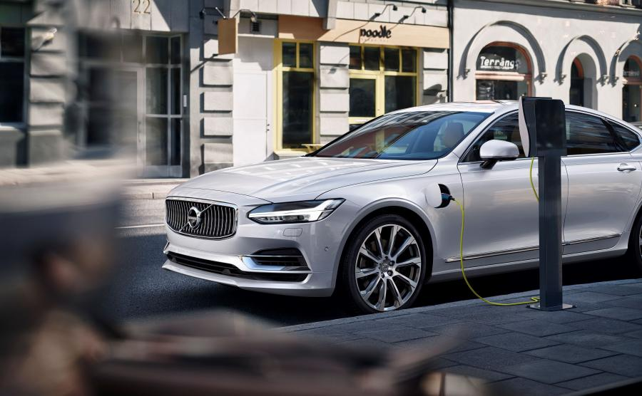 Volvo S90 T8 AWD Twin Engine