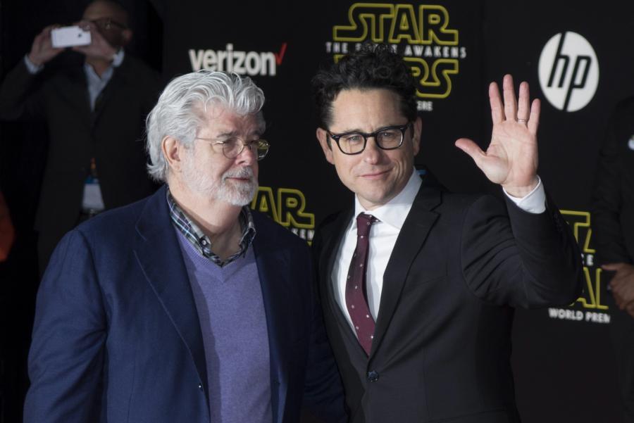 """George Lucas i J.J. Abrams na premierze """"Gwiezdnych wojen: Przebudzenia Mocy"""""""